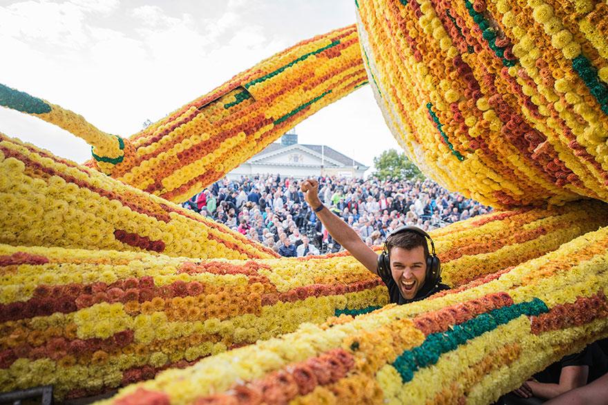 AD-Van-Gogh-Flower-Parade-Floats-Corso-Zundert-Netherlands-03