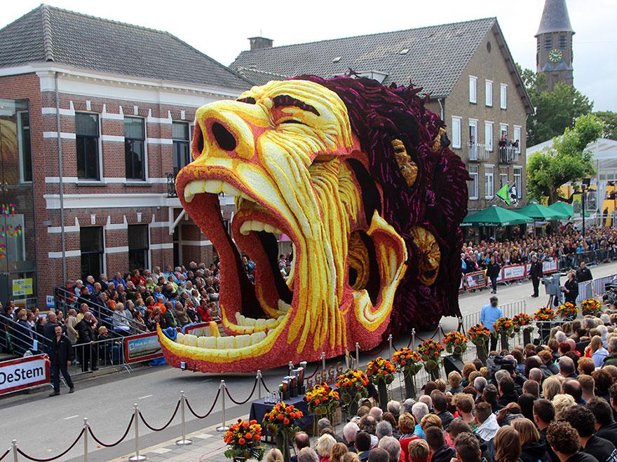AD-Van-Gogh-Flower-Parade-Floats-Corso-Zundert-Netherlands-04