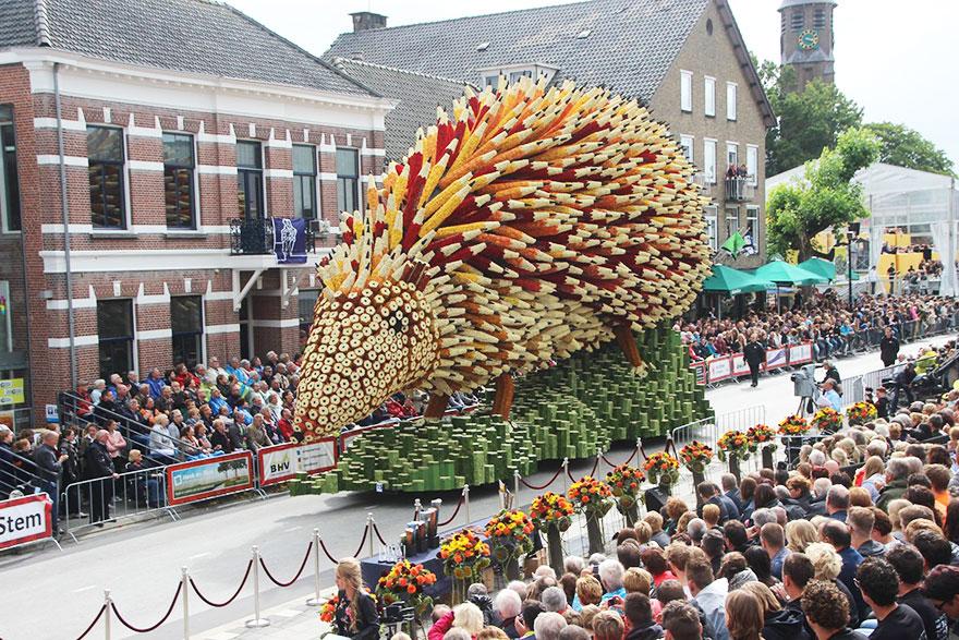 AD-Van-Gogh-Flower-Parade-Floats-Corso-Zundert-Netherlands-07