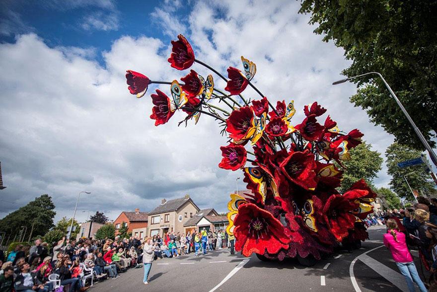 AD-Van-Gogh-Flower-Parade-Floats-Corso-Zundert-Netherlands-09