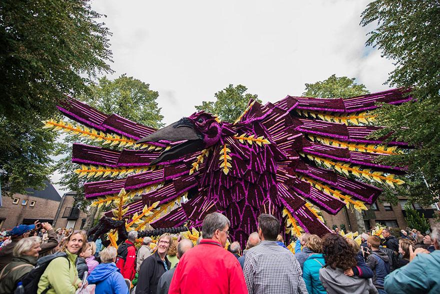 AD-Van-Gogh-Flower-Parade-Floats-Corso-Zundert-Netherlands-12