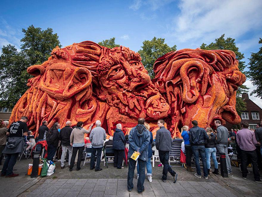 AD-Van-Gogh-Flower-Parade-Floats-Corso-Zundert-Netherlands-13