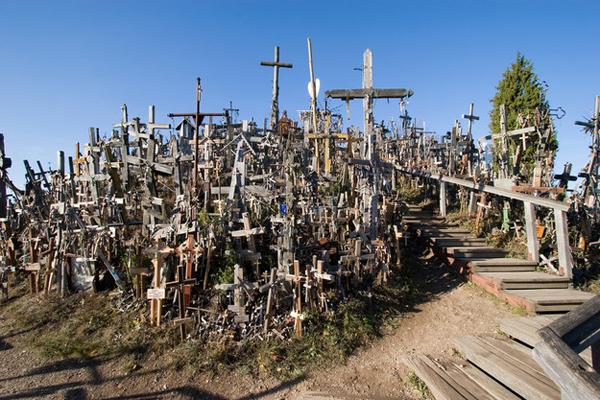 14-Kryziu-Kalnas-The-Hill-of-Crosses-Lithuania-AD