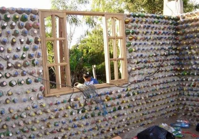 AD-Amazing-Recycled-Plastic-Bottles-House-06