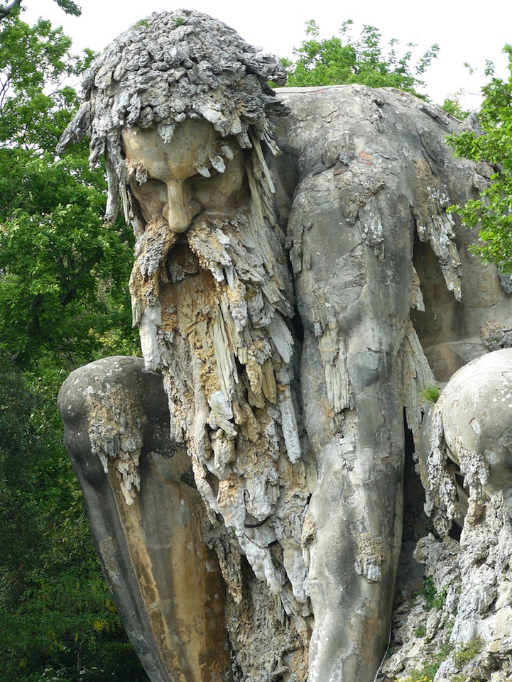 AD-Colosso-Dell-Appennino-Sculpture-Florence-Italy-01-2
