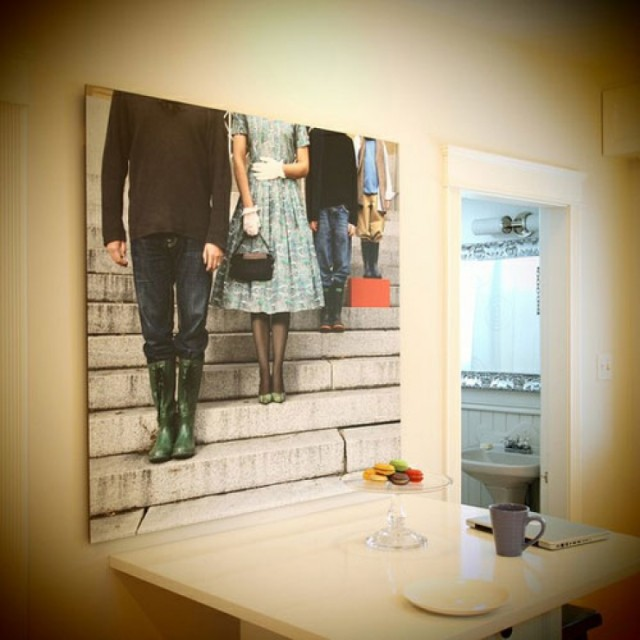 AD-Cool-Ideas-To-Display-Family-Photos-On-Your-Walls-01