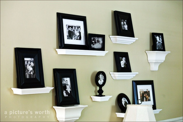 AD-Cool-Ideas-To-Display-Family-Photos-On-Your-Walls-20