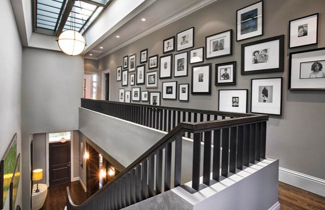 35 Cool Ideas To Display Family Photos On Your Walls