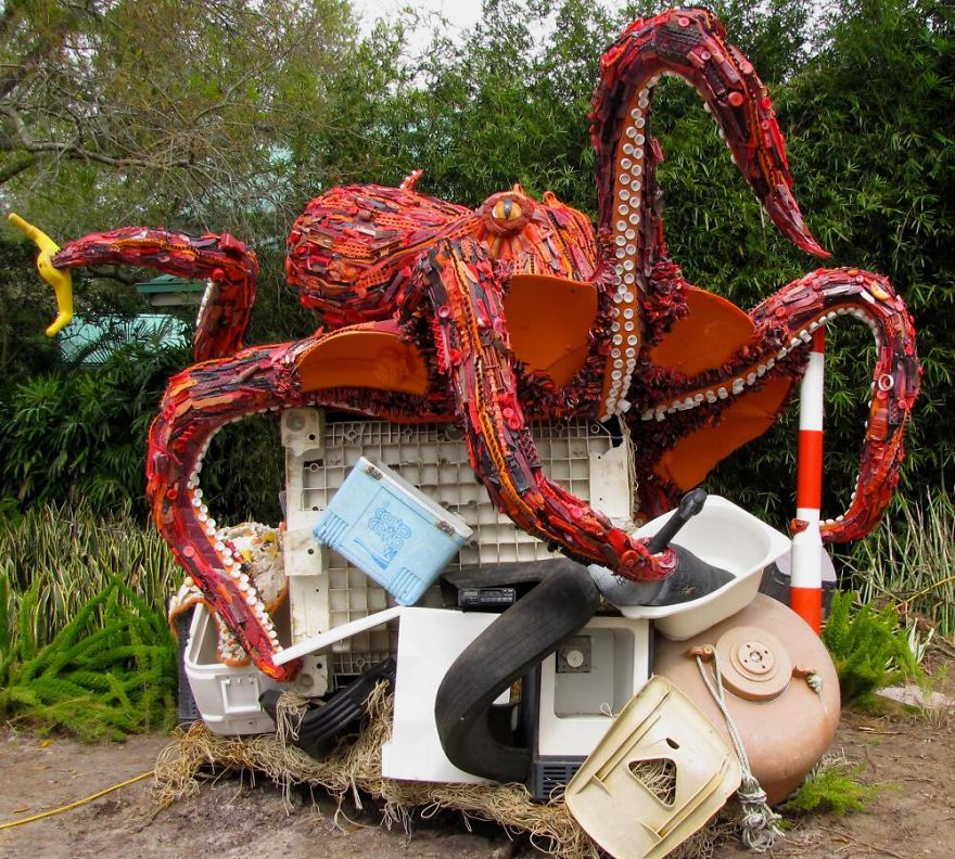 AD-Giant-Sculptures-Made-Entirely-Of-Beach-Waste-02