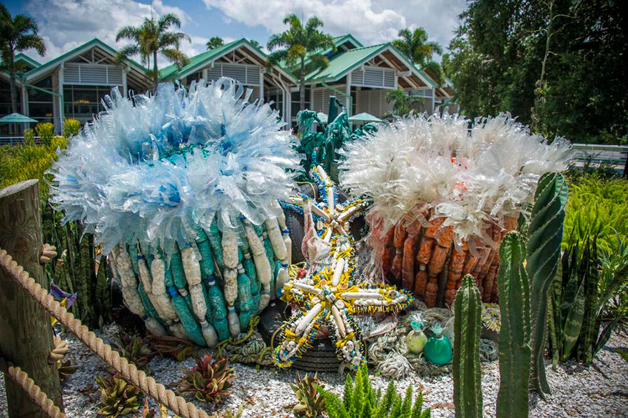 AD-Giant-Sculptures-Made-Entirely-Of-Beach-Waste-07