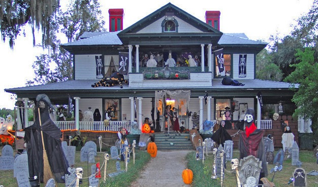 AD-Halloween-Decorations-01