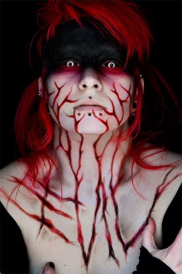 AD-Scary-Make-Up-Ideas-15