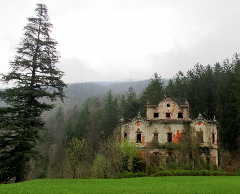 AD-The-Most-Beautifu-Abandoned-Places-In-The-World-14