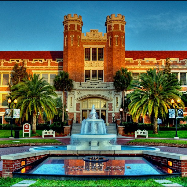 AD-The-Most-Beautiful-College-Campuses-In-America-01