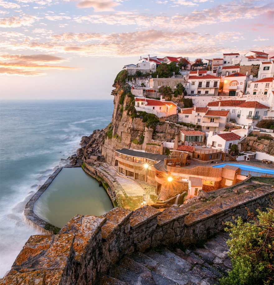AD-The-Most-Stunning-Cliff-Side-Towns-And-Villages-05