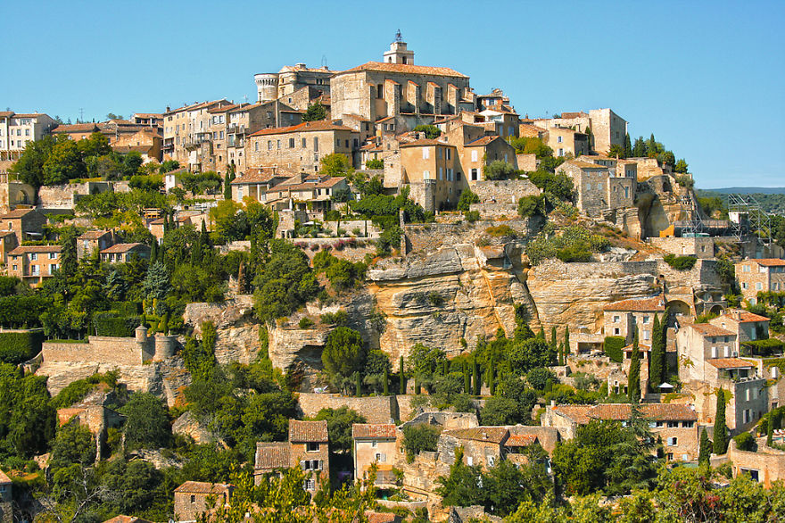 AD-The-Most-Stunning-Cliff-Side-Towns-And-Villages-25