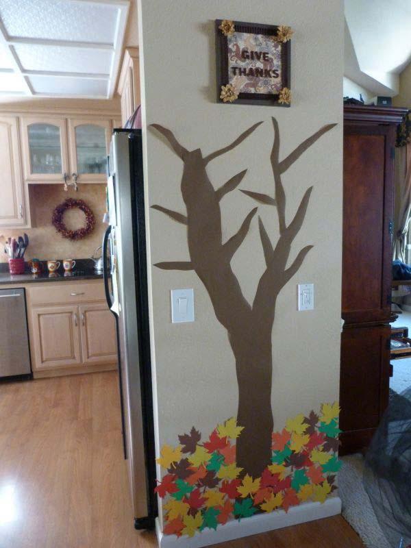 AD-Wall-Tree-Decorating-Ideas-30