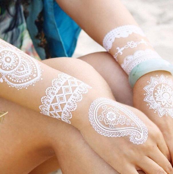AD-White-Henna-Tattoo-Temporary-Women-Instagram-Trend-10