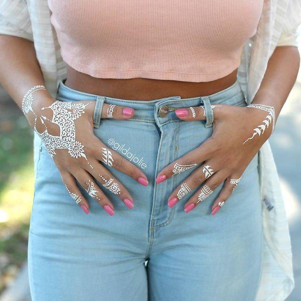 AD-White-Henna-Tattoo-Temporary-Women-Instagram-Trend-18
