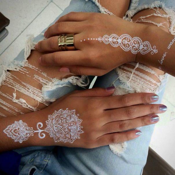 AD-White-Henna-Tattoo-Temporary-Women-Instagram-Trend-21