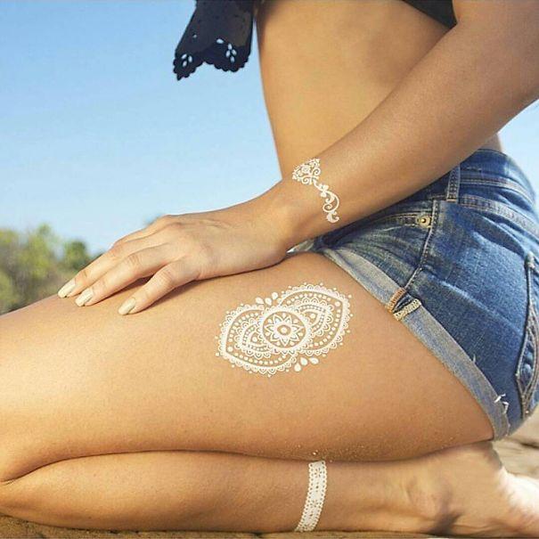 AD-White-Henna-Tattoo-Temporary-Women-Instagram-Trend-22
