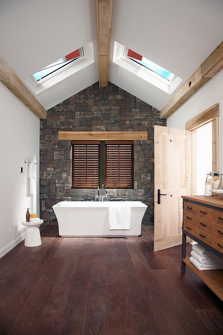 20-AD-Skylights-give-the-bathroom-dramatic-visual-appeal