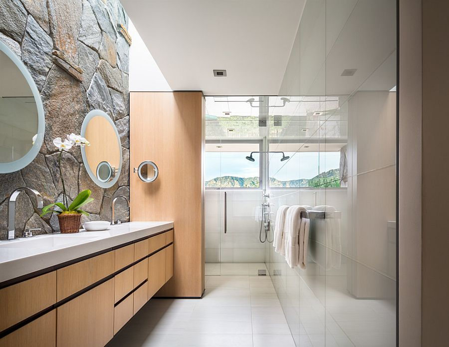 21-AD-Contemporary-bathroom-combines-glass-tile-with-the-classic-stone-wall
