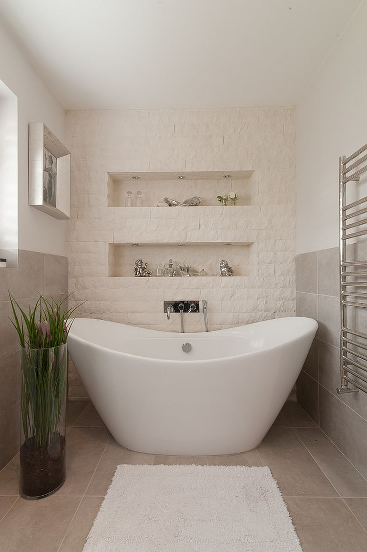 30-AD-Split-face-stone-tiles-create-a-textural-accent-wall-in-the-bathroom
