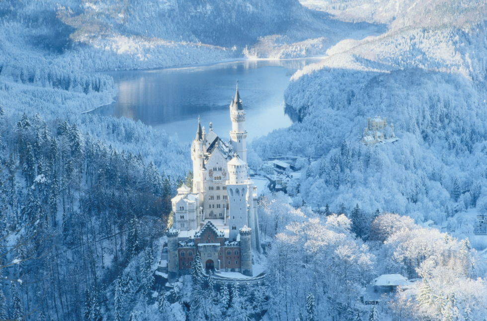 AD-Beautiful-Places-That-Look-More-Magical-Covered-In-Snow-03