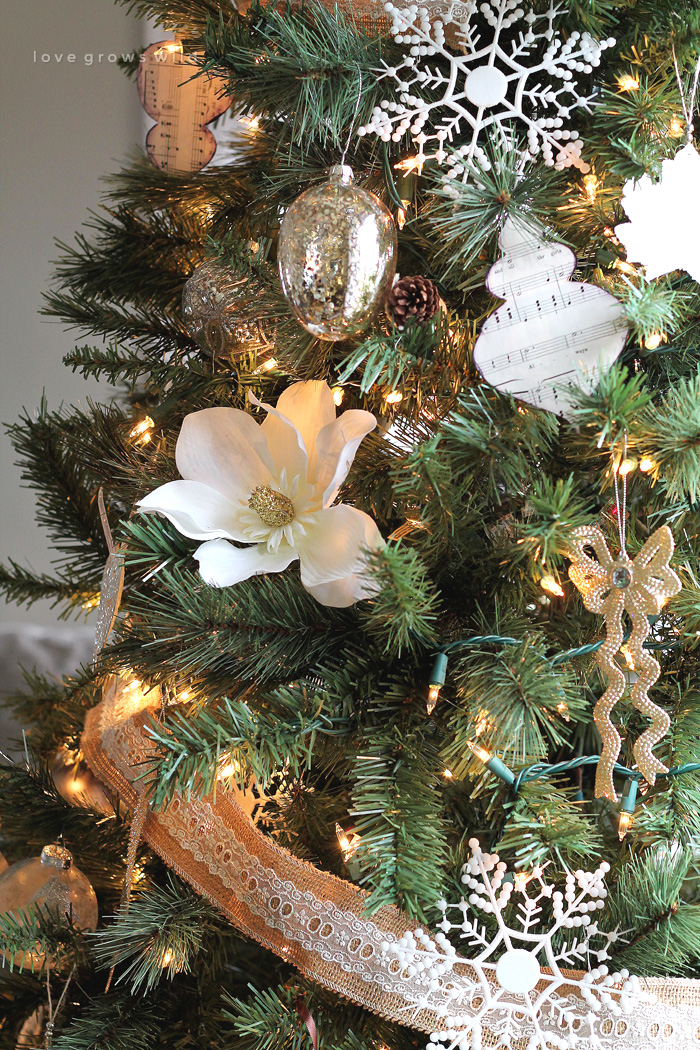 30 christmas tree ideas for an unforgettable holiday for How to design a christmas ornament