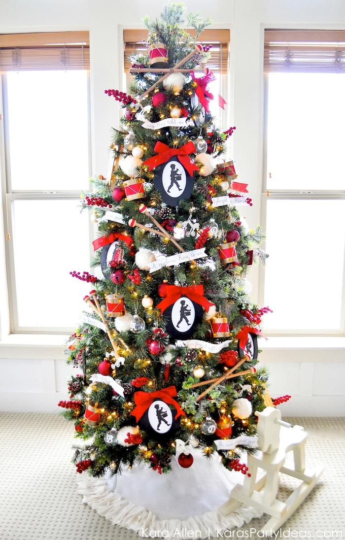 AD-Christmas-Tree-Ideas-For-An-Unforgettable-Holiday-11