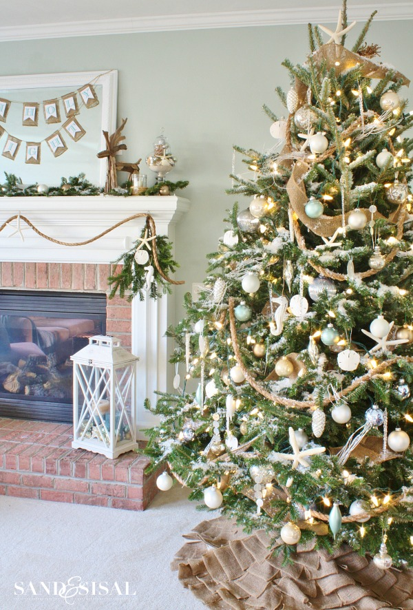 AD-Christmas-Tree-Ideas-For-An-Unforgettable-Holiday-13