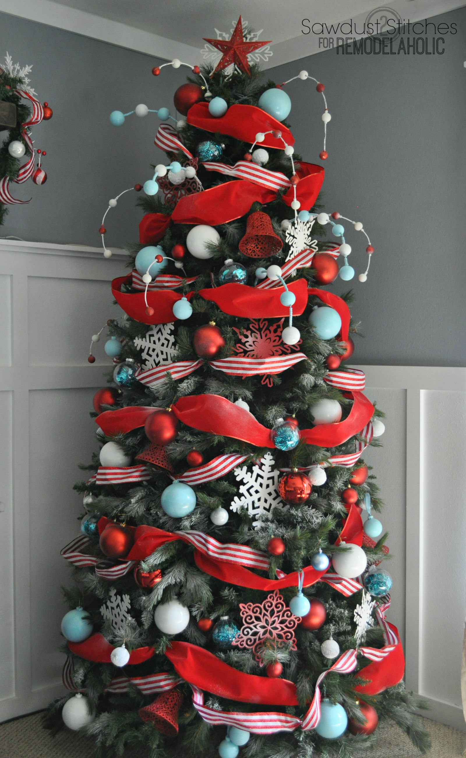 AD-Christmas-Tree-Ideas-For-An-Unforgettable-Holiday-23