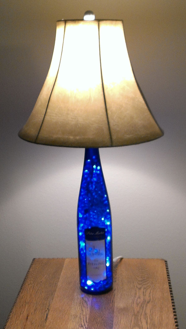 25 diy bottle lamps decor ideas that will add uniqueness to your home - Creative lamp shades ...