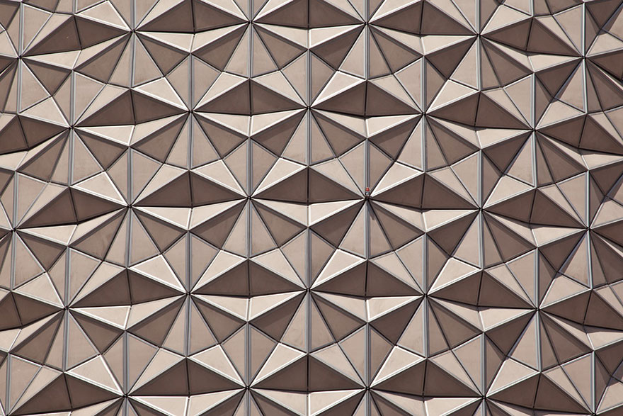 AD-Geometric-Sun-Shades-Al-Bahar-Towers-Abu-Dhabi-07