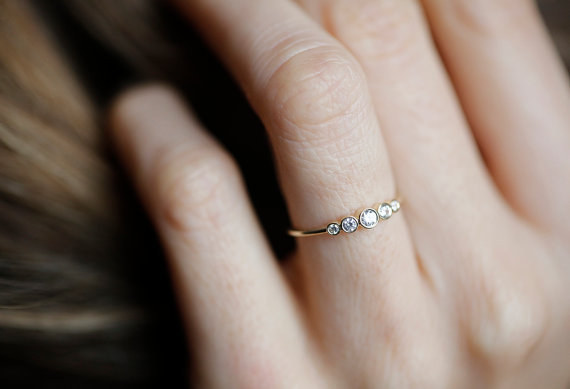 AD-Impossibly-Delicate-Engagement-Rings-That-Are-Utter-Perfection-02