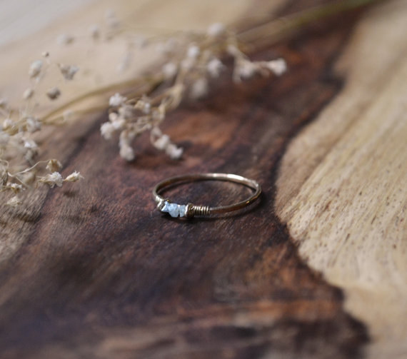 AD-Impossibly-Delicate-Engagement-Rings-That-Are-Utter-Perfection-13