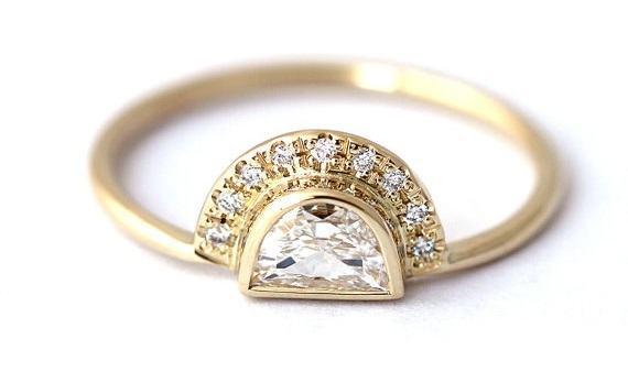 AD-Impossibly-Delicate-Engagement-Rings-That-Are-Utter-Perfection-14