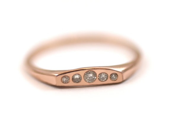 AD-Impossibly-Delicate-Engagement-Rings-That-Are-Utter-Perfection-16