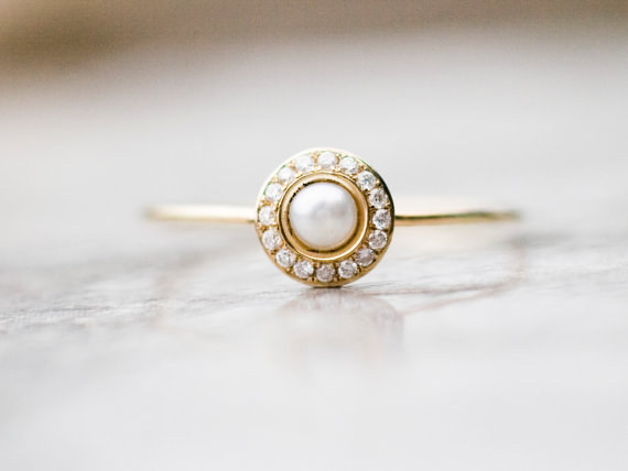 AD-Impossibly-Delicate-Engagement-Rings-That-Are-Utter-Perfection-19