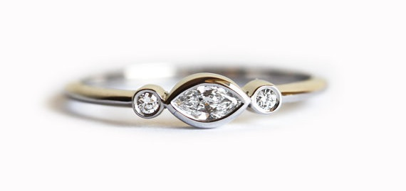 AD-Impossibly-Delicate-Engagement-Rings-That-Are-Utter-Perfection-27