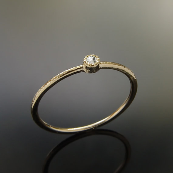 AD-Impossibly-Delicate-Engagement-Rings-That-Are-Utter-Perfection-29