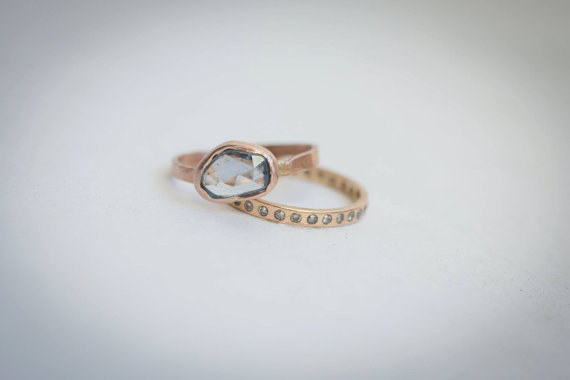 AD-Impossibly-Delicate-Engagement-Rings-That-Are-Utter-Perfection-30