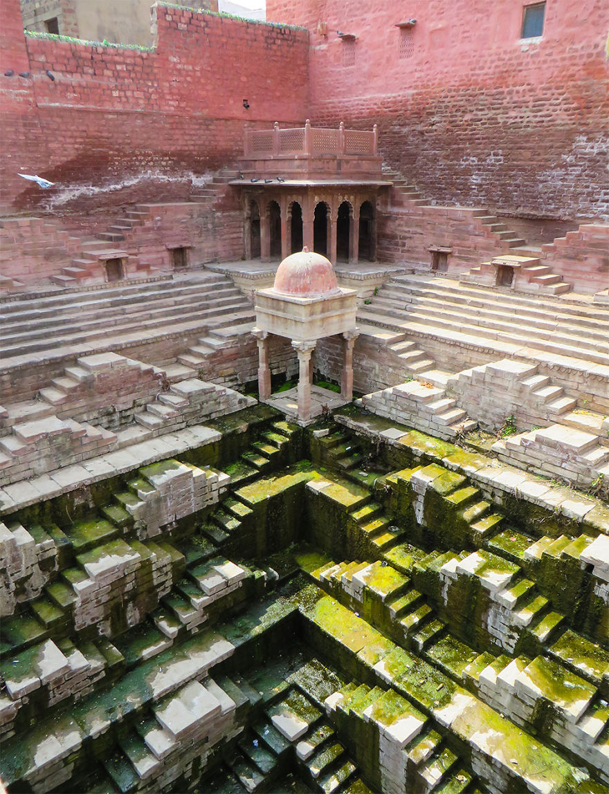 AD-Ive-Spent-Years-Searching-For-Indias-Vanishing-Subterranean-Marvels-01