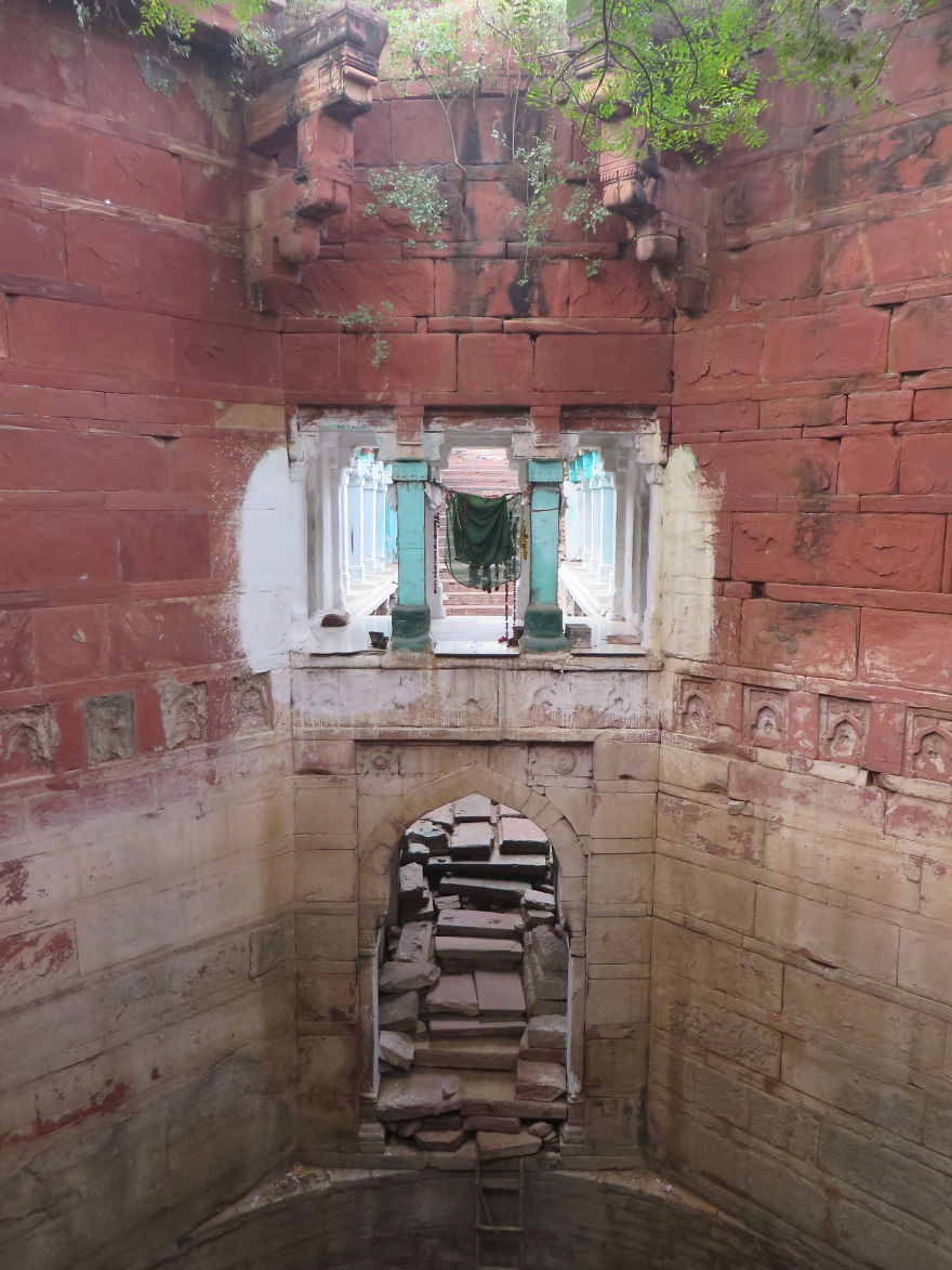 AD-Ive-Spent-Years-Searching-For-Indias-Vanishing-Subterranean-Marvels-13