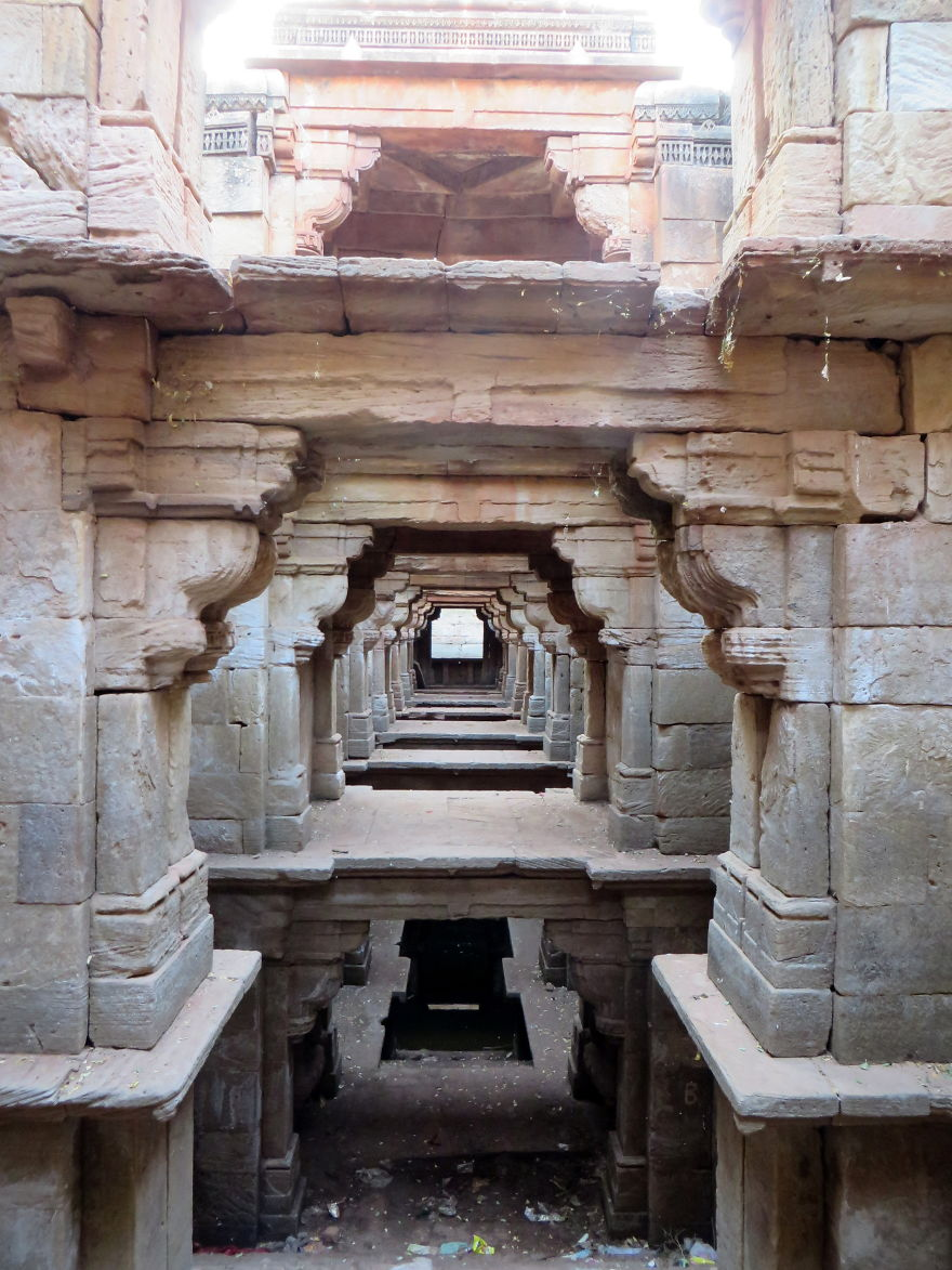 AD-Ive-Spent-Years-Searching-For-Indias-Vanishing-Subterranean-Marvels-18