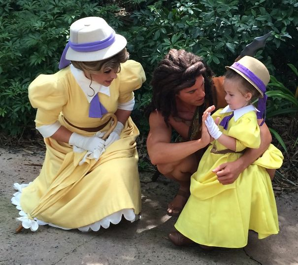 AD-Mom-Sews-Disney-Costumes-For-Her-Daughter-03