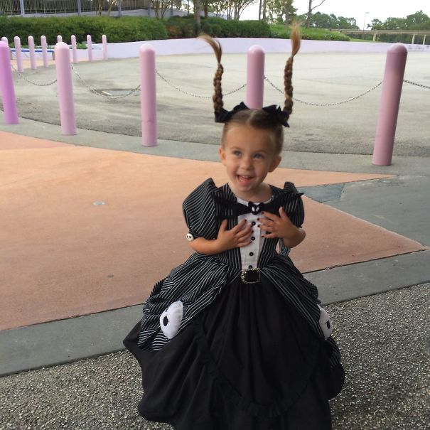 AD-Mom-Sews-Disney-Costumes-For-Her-Daughter-08