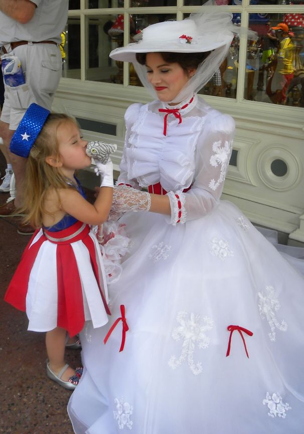 AD-Mom-Sews-Disney-Costumes-For-Her-Daughter-17