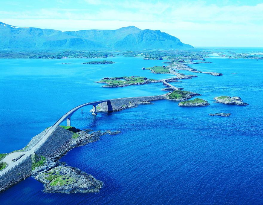 AD-The-Most-Wonderful-Roads-In-The-World-02